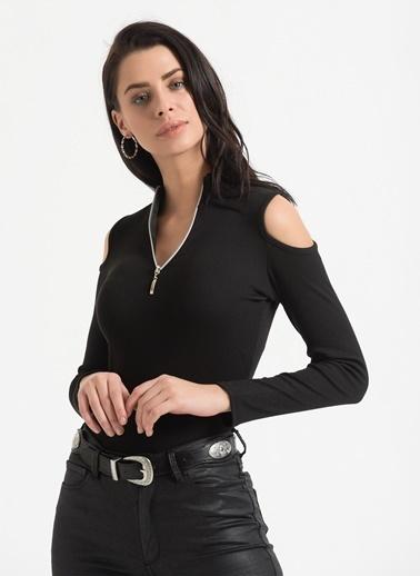 Styletag Omuz Detaylı Bluz Siyah